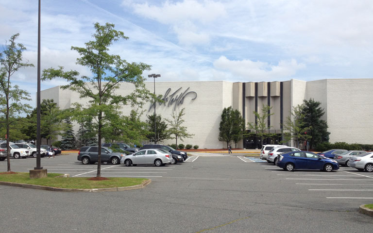 Lord + Taylor - South Shore Plaza - Braintree, MA