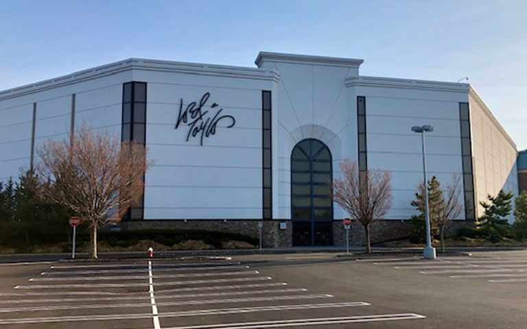Lord + Taylor - Bridgewater Commons - Bridgewater, NJ
