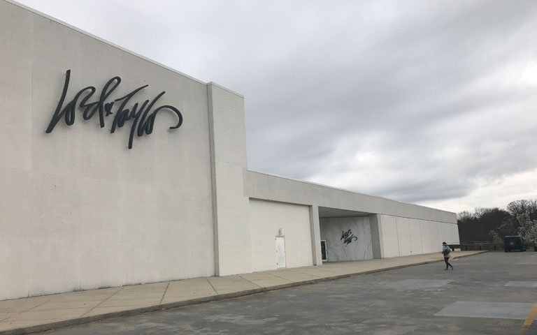 Lord + Taylor - Fair Oaks Mall - Fairfax, VA