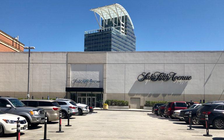 Saks Fifth Avenue - Phipps Plaza - Atlanta, GA